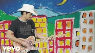 Watch Brad Paisley American Saturday Night video
