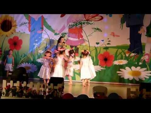 Hát múa: Những ngôi sao nhỏ - Lớp lá - Mầm non TUỔI THƠ, Quy Nhơn, ngày 30/5/2013