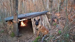 Bushcraft Skills - Fireṗlace Inside Survival Shelter Made of Stone and Wood, Winter Camping, Diy