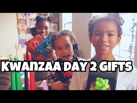 KWANZAA BEGINS! GIFTS AND MEANING | UrbanTeacher Vlog