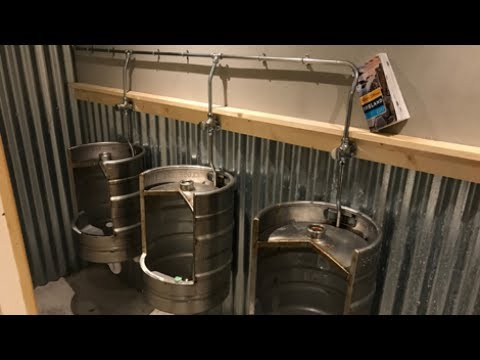Blitzing Dingle's Best Pubs — and Best Urinals