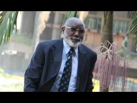 Former Kilome MP Harun Mwau files petition at Supreme Court challenging Uhuru re-election
