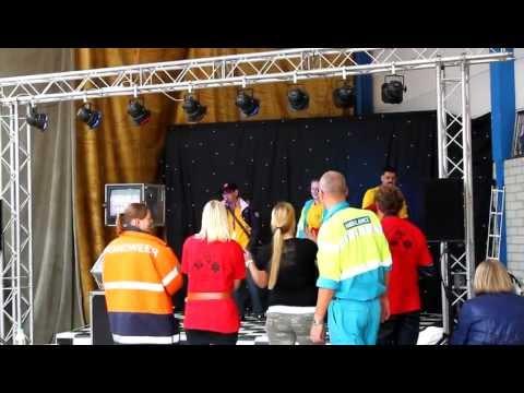 karaoke op de gehandicaptendag.