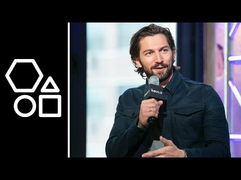 Michiel Huisman on Daario Naharis v. Khal Drogo | AOL BUILD