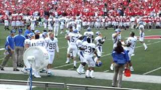 San Jose State football team does the Jump Around with University of Wisconsin
