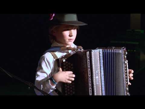 Tim van den Ham (10 jaar) winnaar Westerveld Got Talent 2016 met Steirische Harmonika