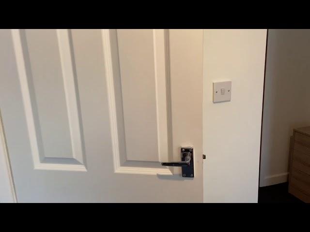 Huge Dble Rm, private en suite & Kitchenette  Main Photo
