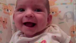 Baby Listens to al-Qur'an Recitation, Smiles (40 days old; surah al-'Asr