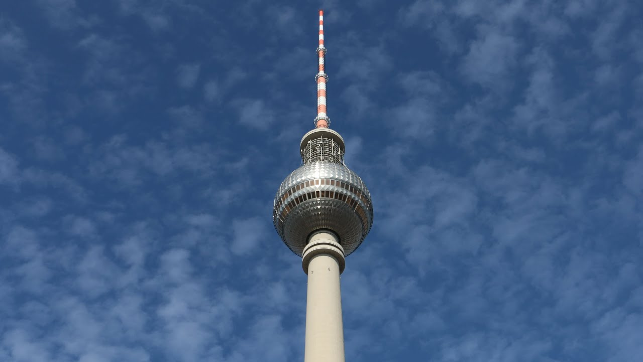der berliner fernsehturm tv tower berlin youtube. Black Bedroom Furniture Sets. Home Design Ideas
