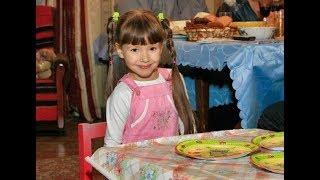 Уже не девочка, а настоящая женщина: маленькая Маша из «Ворониных» стала длинноволосой красавицей