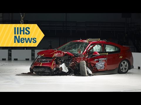 Small car ratings run gamut in small overlap crash tests - IIHS News