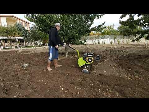 Köyde hayat  bağ  bahçe işleri   bugünde  fasulye ektik