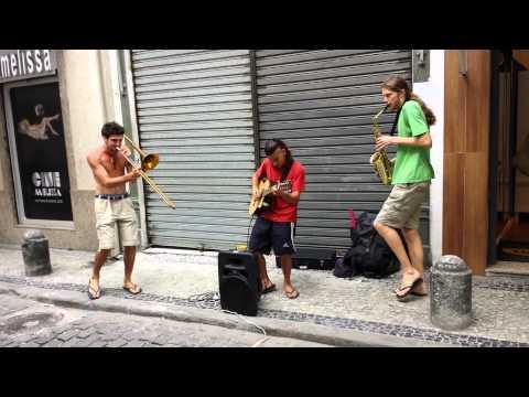 Música de rua no centro do Rio
