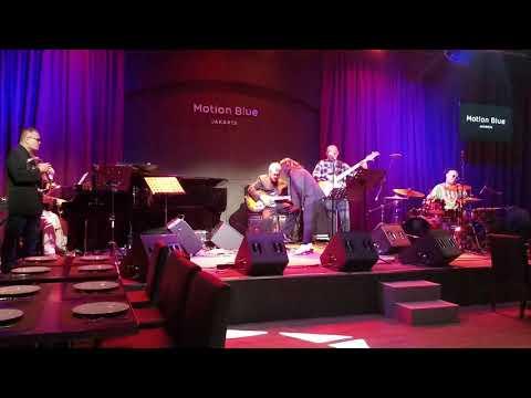 CRY ME A RIVER (Arthur Hamilton) - Twelve Times jazz and blues band, Agam Hamzah mp3
