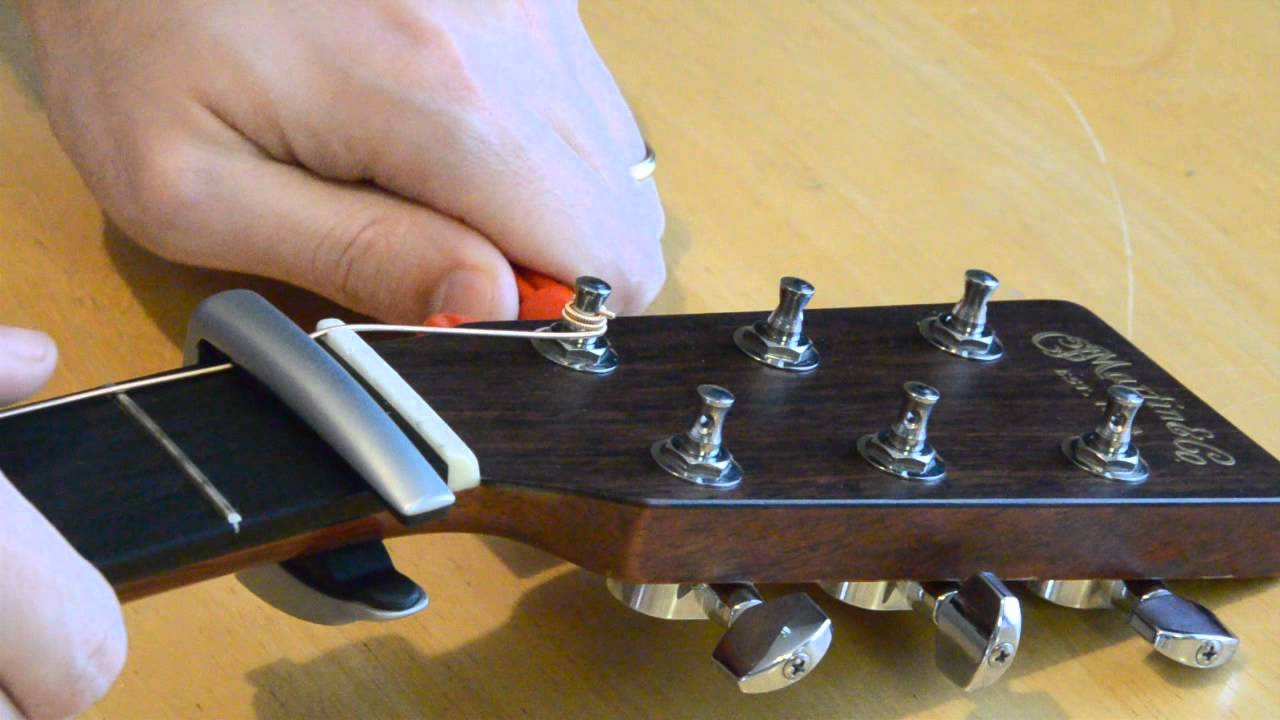 how to change strings on an acoustic guitar youtube. Black Bedroom Furniture Sets. Home Design Ideas