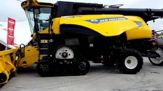 Комбайн New Holland CR10.90