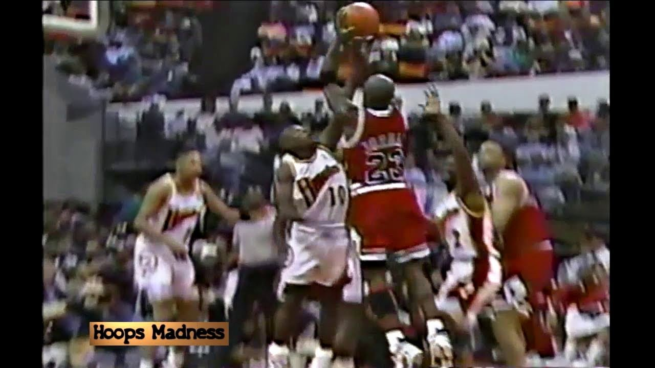 grava infierno creciendo  Mookie Blaylock Blocks Michael Jordan! Announcers React Like They Won the  Championship! - YouTube