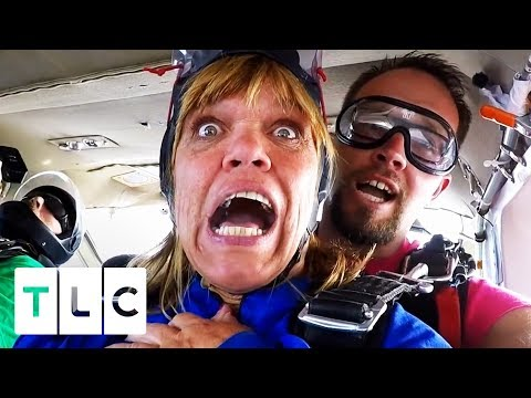 Amy And Chris Go Skydiving! | Little People, Big World