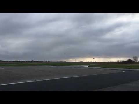Britten Norman BN-2 islander landet auf Flugplatz Norden Norddeich