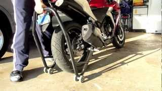 Motorcycle Stands- How To Use thumbnail
