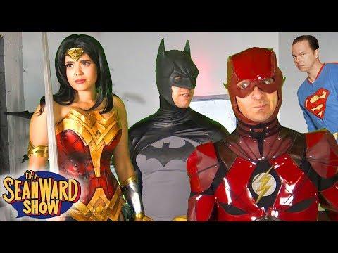 No SUPERMAN in JUSTICE LEAGUE (epic cosplay parody!)