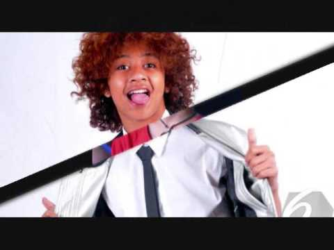 HAPPY SWEETSEVENTEN BASTIAN STEEL #BASTIANSTEELDAY
