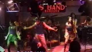 Video BLUE SKY Band Medan 2003 (Pandangan Pertama Cover Tribute To Lintong) download MP3, 3GP, MP4, WEBM, AVI, FLV Agustus 2018