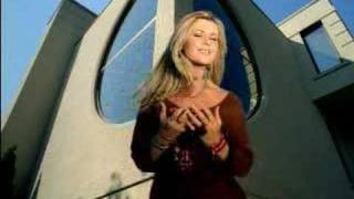 Watch Beverley Mahood True Love Never Goes Out Of Style video