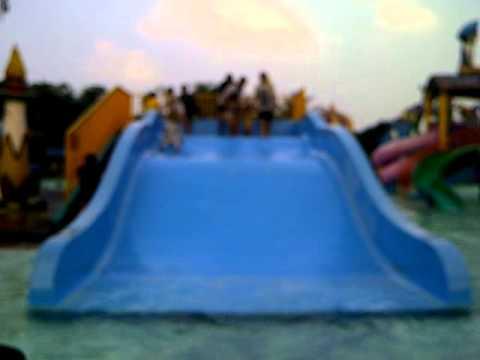fairuz swimming in aladin waterpark depok (side 3)