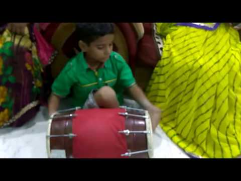6 year old plays Dholak like an Expert - Indian Talent
