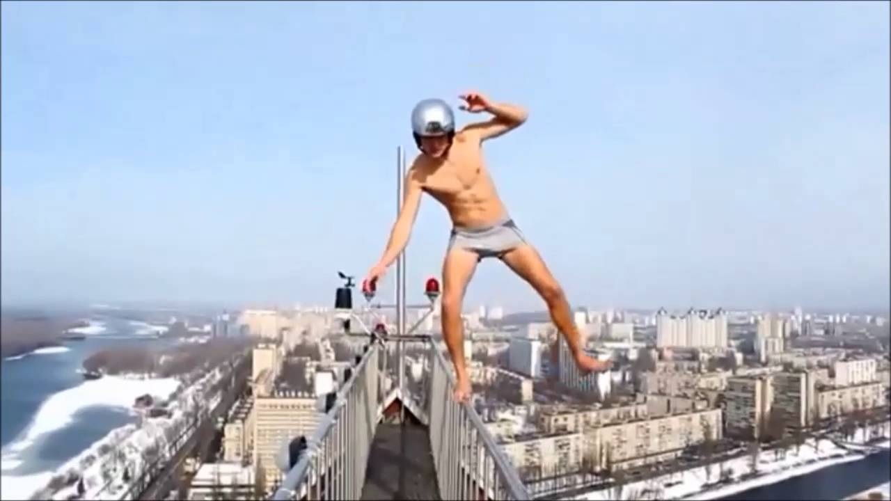 Crazy People Walking On Edges Tallest Buildings Youtube