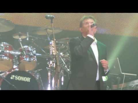 Runrig - Donnie Munro- An Ubhal As Airde (POTM 2013)