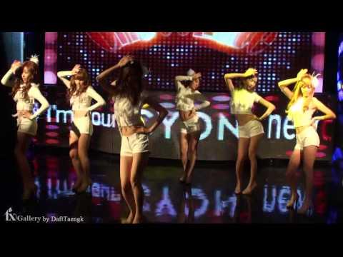소녀시대(SNSD) - Chocolate Love. LG New Chocolate Phone Showcase. FanCam.091015