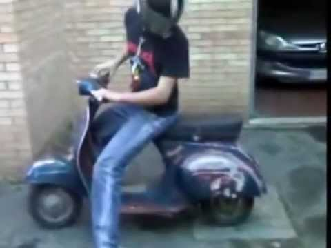 video divertenti cadute in moto youtube. Black Bedroom Furniture Sets. Home Design Ideas