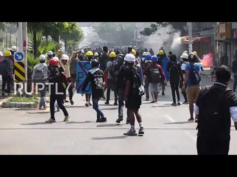 Myanmar: Police fire rubber bullets at protesters in Yangon