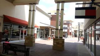 Dec 15, · New Premium Outlet Mall in Eagan, MN Very well designed, easy to find, just a couple of 4 lane miles from the Mall Of America, a great many stores, tasteful, at least 2 steps ahead of other outlet malls.5/5.