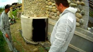 видео Битумная гидроизоляция фундамента, свойства, способы нанесения, полезные советы
