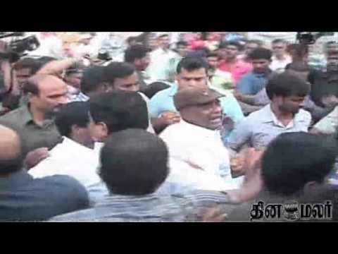 Telangana Issue: Employees of state owned RTC call off their strike  - DINAMALAR