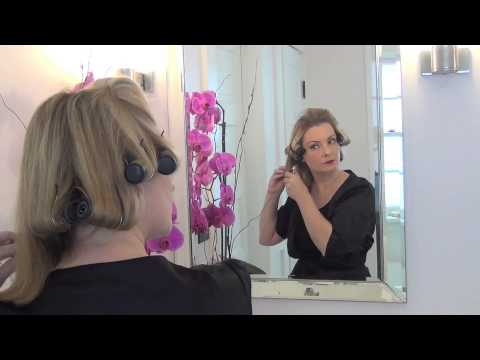 how-to-achieve-a-1950s-hair-style-using-hot-rollers:-the-glamorous-housewife-beauty