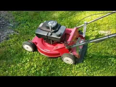 Toro 5hp GTS 26624 lawn mower running cutting