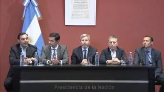 Conferencia de prensa al término de la reunión con Gobernadores