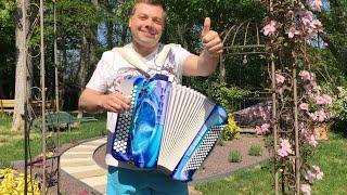 """C'est l'heure de l'apéro """"L' apéro"""" avec 100 accordéonistes confinés"""