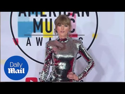 Taylor Swift commands attention on the 2018 AMAs red carpet
