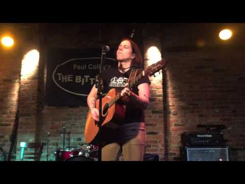 2015-12-06 - Marcy Lang @ The Bitter End - 01