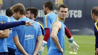 Fc barcelona - more players back in for training