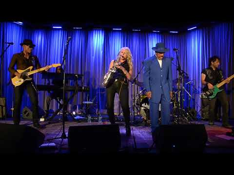 Mindi Abair & The Boneshakers - Pretty Good For A Girl - 09/14/2017