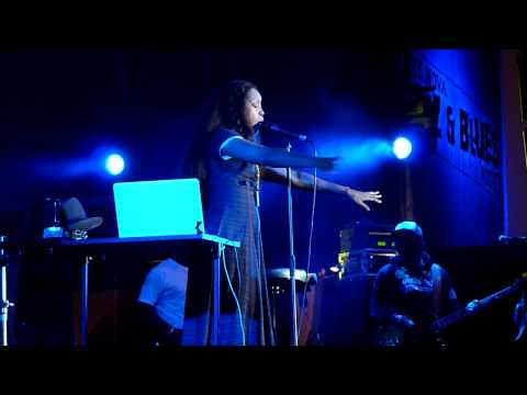 HD - Erykah Badu - Tyrone live @ Nova Jazz Festival, Wiesen 2011