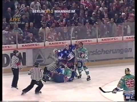 DEL 97-98 F1 Berlin - Mannheim 0-2 Teil 2
