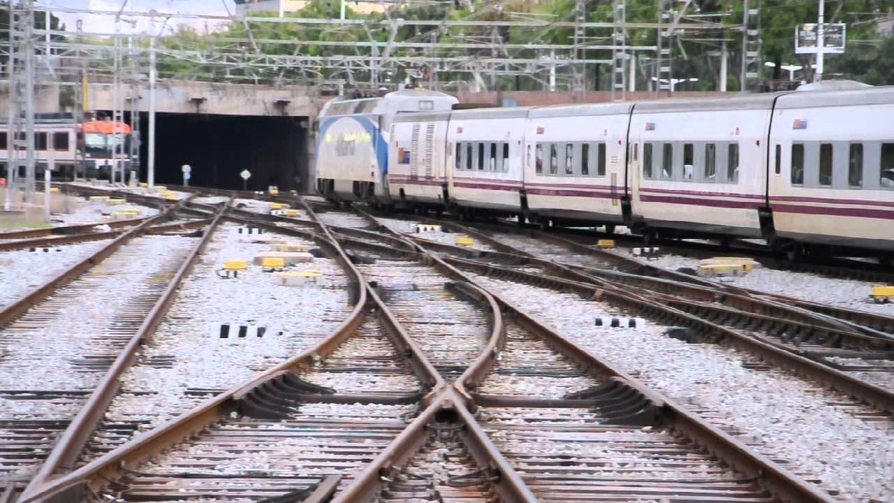 Trenhotel pau casals salvador dal zurich i milan for Elipsos trenhotel