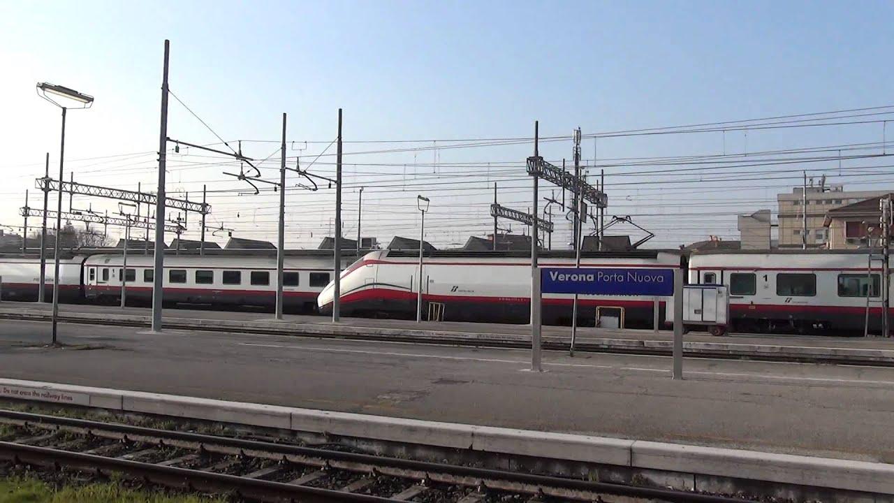 Incrocio di frecce bianche alla stazione di verona porta - Mezzi pubblici verona porta nuova ...